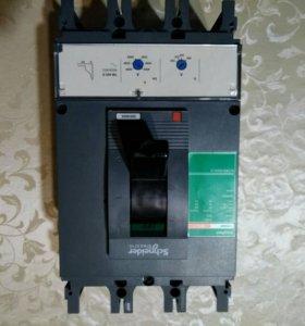 Автоматически выключатель Schneider CVS400F