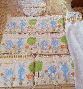 Бортики, одеяло, балдахин.