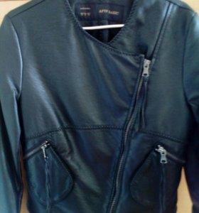 Куртка жен. 800р.