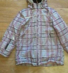 Продам куртку .Рост 122.см.(6-7) лет.