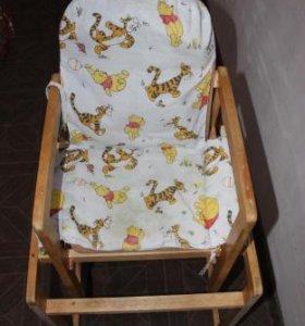 Детский стульчик и столик для кормления