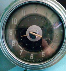 Часы-ГАЗ 21 Волга