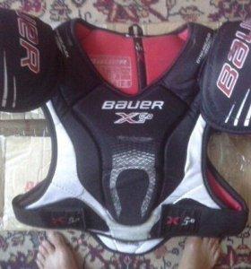 Хоккейный нагрудник Bauer x5.0 б/у