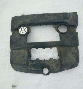Крышка пыльник на двигатель VW Skoda Seat BSE BSF