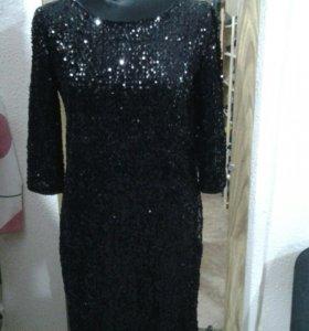 Платье с пайетками.новое!