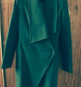 Пальто,куртка.