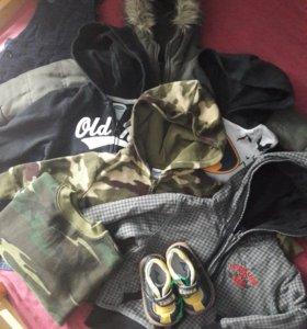 Стильная одежда на мальчика пакетом