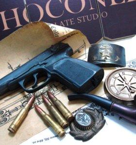 Подарок Шоколадный пистолет пули и какарда
