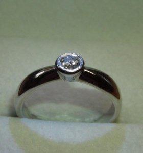 золотое кольцо с бриллиантом 0.26 кр.