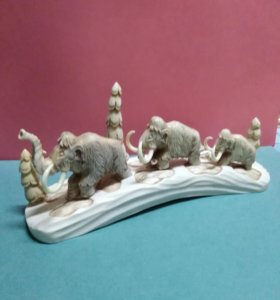 Семья мамонтов ручной работы из рога лося