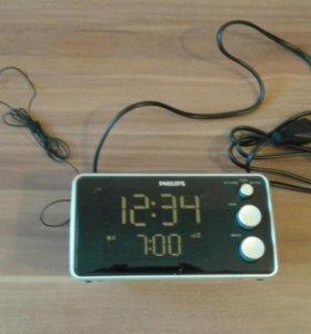 Часы с будильником и радиоприёмником PHILIPS