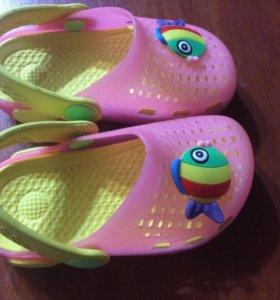 Детские пляжные сандалии