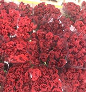 Розы и тюльпаны