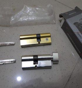 личинки для металической двери
