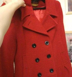 Красное Пальто осень