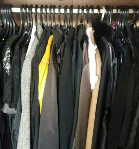 Много фирменной одежды б /у.