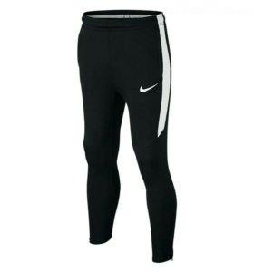Штаны Nike новые M