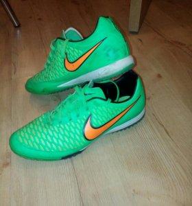 Кроссовки для фут.зала Nike Magista