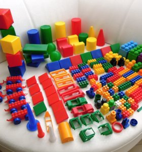 Лего. Три набора.