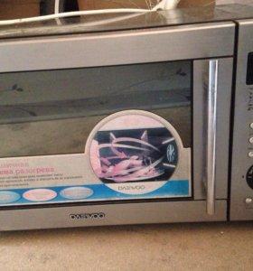 Продаю на запчасти микроволновую печь