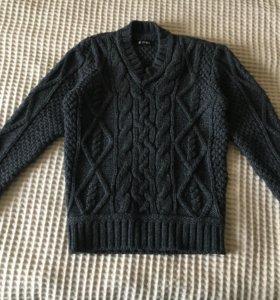 Новый очень теплый свитер р.48