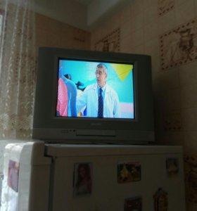 Цветной телевизор Филипс