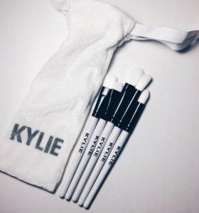 Набор кистей для макияжа глаз в мешочке от Kylie