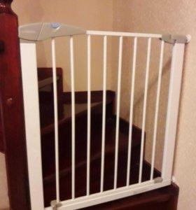 Ворота-барьеры Lindam