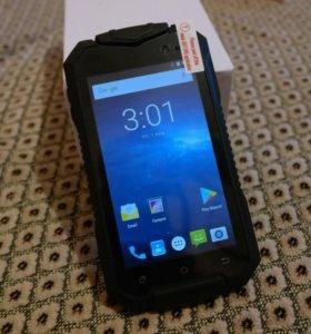 Новый, защищенный смартфон на Android 7.0