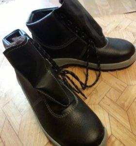 Ботинки строительные новые