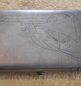 Cтаринный серебрянный портсигар