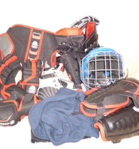 Хоккейная экипировка.