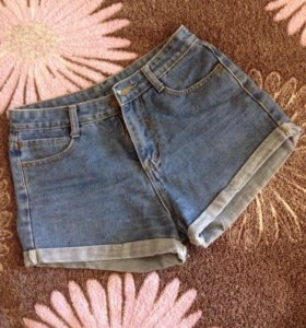 Шорты женские ,джинсовые