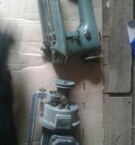 Продам промышленную швейную машину.