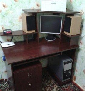 Продам компьютерный стол с тумбочкой