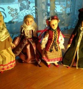 Продам срочно коллекцию фарфоровых кукл