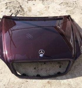 Капот на Mercedes w220