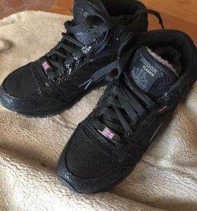 Ботинки на меху REEBOK 38