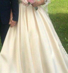 Свадебное платье .очень красиво на выпускной