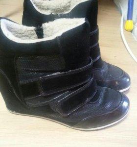 Сникерсы, весенние ботинки