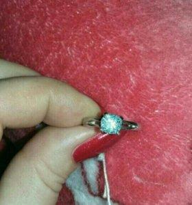 Кольцо серебряное с топазом 17 размер