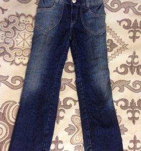 Утеплённые джинсы для девочки р. 128 см