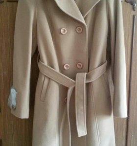 Новое пальто из кашемира