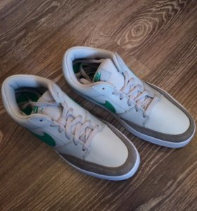 Кроссовки Nike Avid