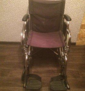 Продаётся взрослая кресло-коляска для инвалидов