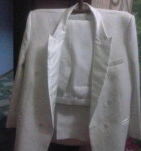 Свадебный костюм новый