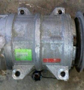 Насос кондиционера Nissan Presage VNU30, YD25DDTi