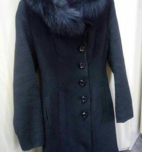 Пальто зимнее - 44 р.