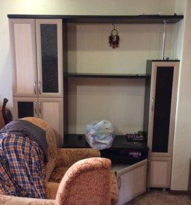 Шкаф горка в гостиную