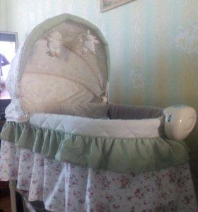Детская люлька-кровать.